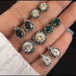 Set of 5 pairs of earrings